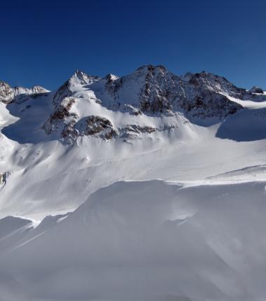 Seespitzen und Ruderhof über dem Alpeiner Ferner