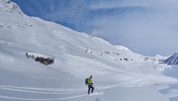 Die Schneedecke ist in den bereichen zwischen 1700m und ca 2400m derzeit sehr störanfällig.