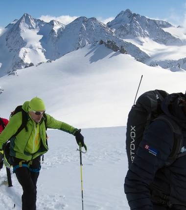Im Aufstieg zum Wilden Hinterbergl- im Hintergrund die Ruderhofspitze und die Seespitzen.