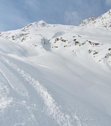 Heute gab es viele großflächige Setzungen in der Schneedecke!